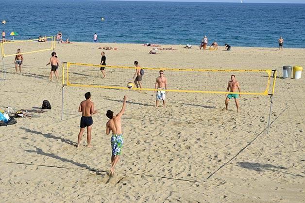 volley plage en bord de mer à Barcelone