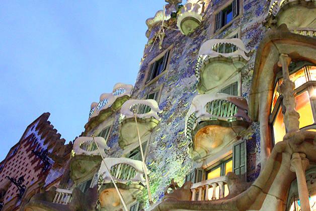Gaudí casa batlló nuit