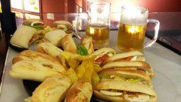 100 montaditos sandwichs et bières
