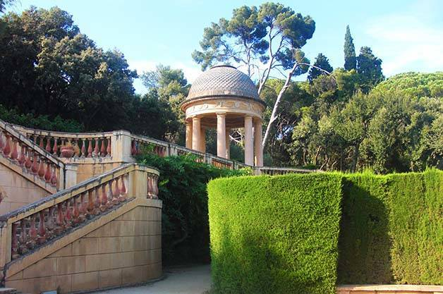 parc du labyrinthe d'horta escaliers
