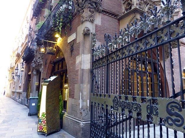 4 gats art nouveau catalan