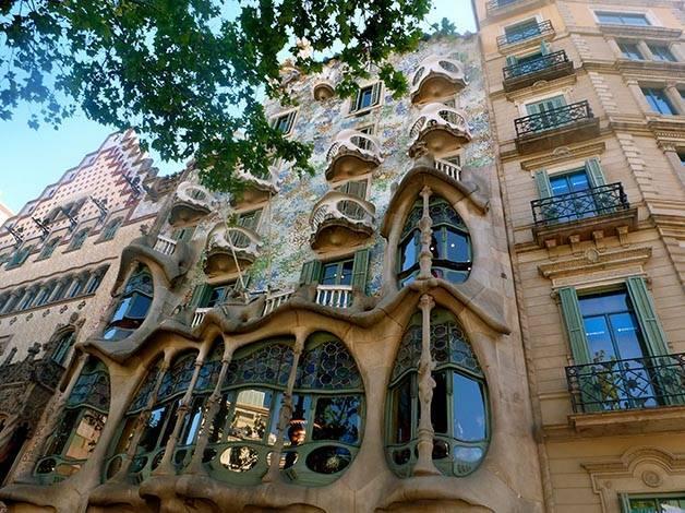 façades batllo amatller art nouveau catalan