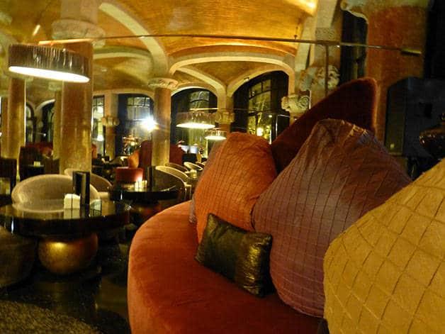 intérieur casa fuster week-end spécial gaudí