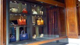 détaxe et TVA: vitrine de magasin
