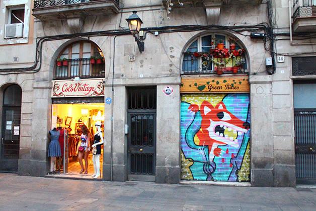 Gòtic Raval façades magasins
