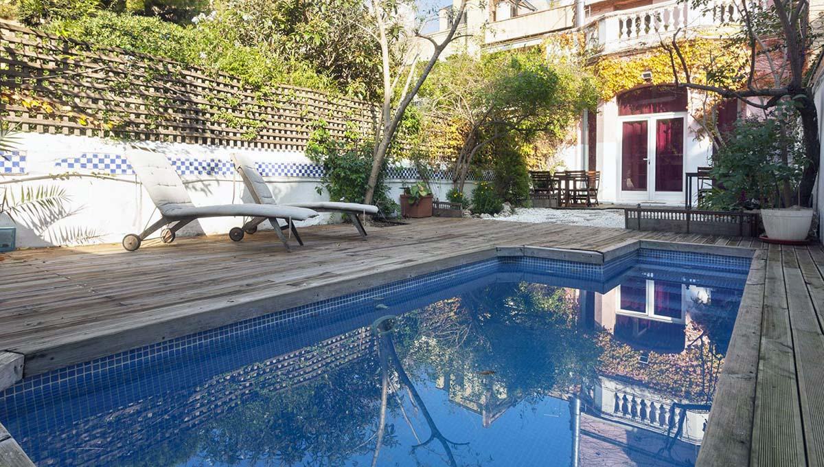 location appartement touristique: maison avec piscine
