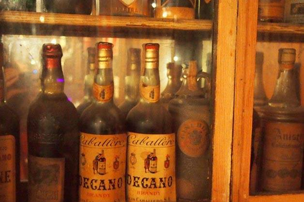 bar marsella: bouteilles