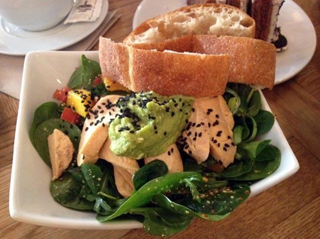 salade.mangue brunch & cake