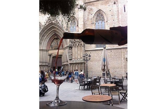 la vinya del senyor: un verre de vin rouge