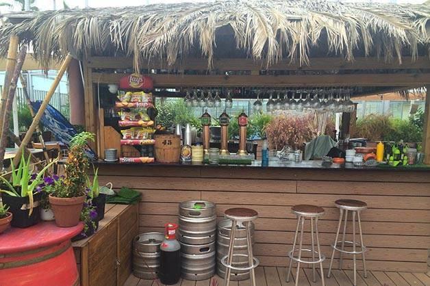 beach garden bar de plage