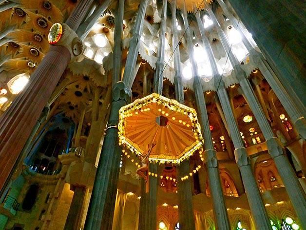 visite guidée sagrada familia baldaquin