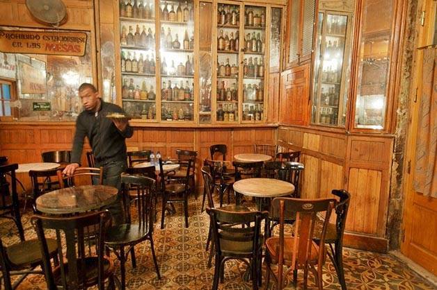 Le bar Marsella week end histoire à Barcelone
