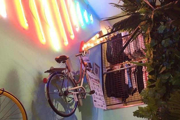 flamingos gallery vélo suspendu