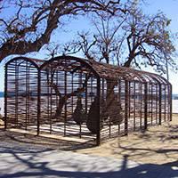 art public sculpture: Una habitació on sempre plou, Juan Muñoz