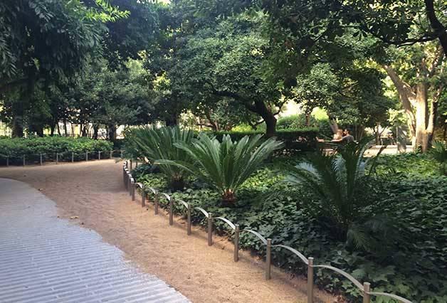 allée jardin du palau robert