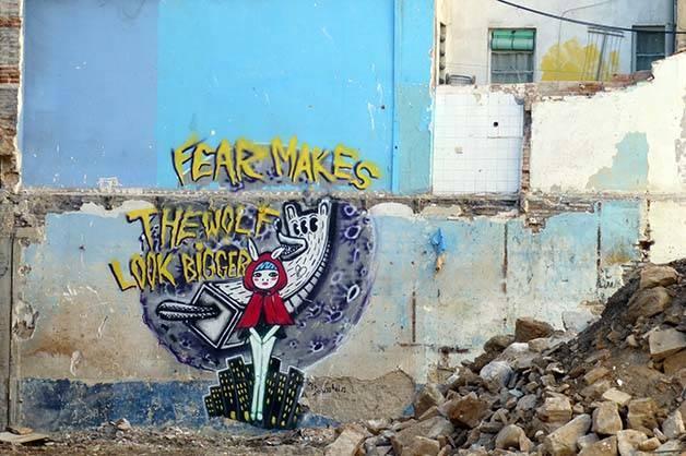 street-art chaperon rouge week end alternatif