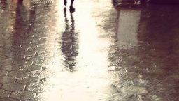 pluie à Barcelone pavés du passeig de Gràcia