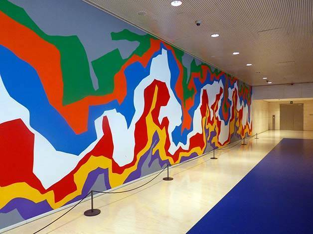 caixaforum mural de Sol Lewitt