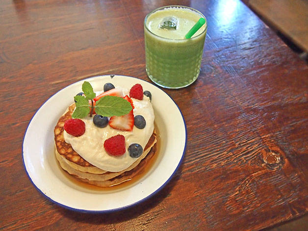 granja petitbo pancake et jus de fruits