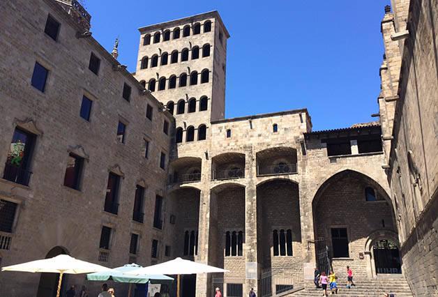 plaça del rei: Barcelone insolite