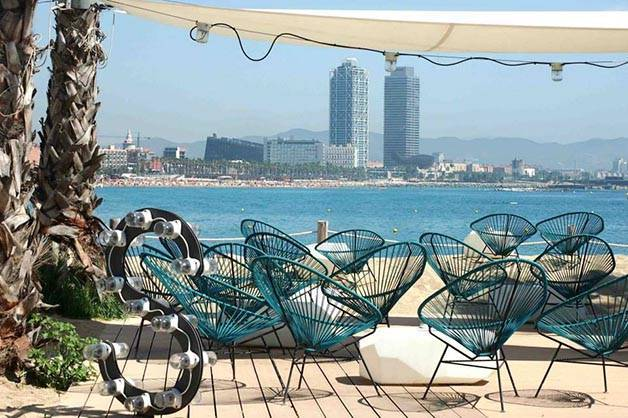 1 jour à Barcelone: prendre un pot au salt beach club
