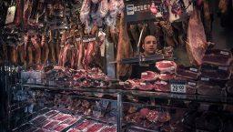 barcelone gastronomique: stand de jambon à la Boquería