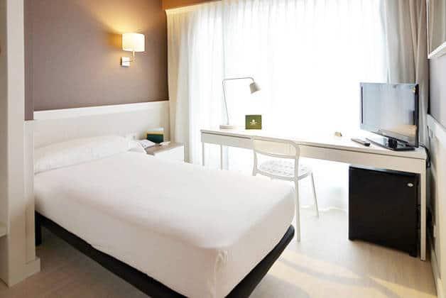 hôtel Para·lel chambre lit simple