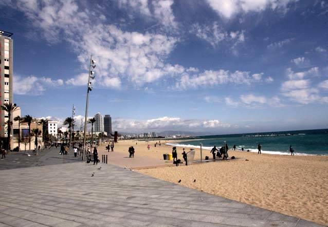sport au bord de la mer à Barcelone