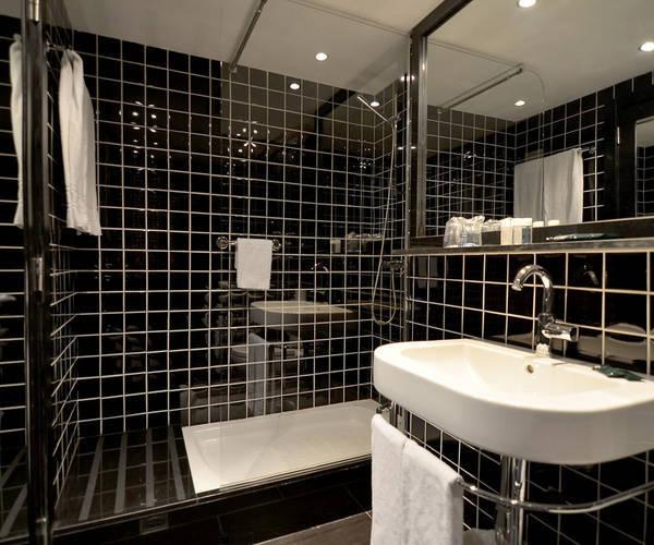 hôtel Para·lel salle de bain