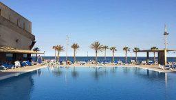 salles de sport et piscine du CNAB