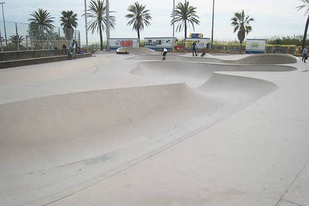 skateboard au spot marbella