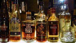 enterrement de vie de garçon bouteilles d'alcool