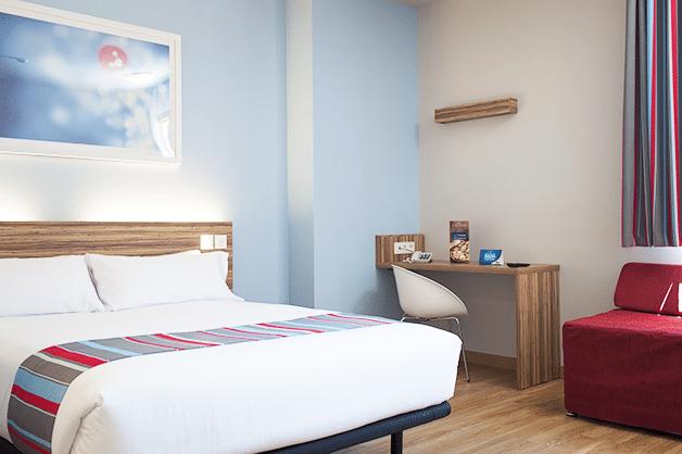 travelodge poblenou un h tel pas cher pr s des plages. Black Bedroom Furniture Sets. Home Design Ideas