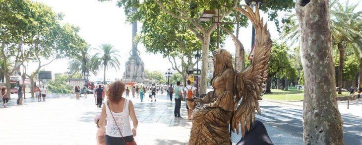 statue vivante ramblas ange doré