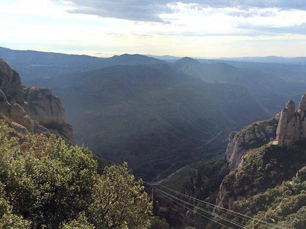 vue montserrat depuis le monastère
