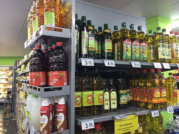 supermarchés: rayon huile d'olive