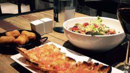 vita gastro bar plats et pain à la tomate
