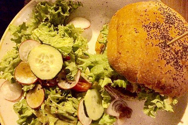 Menssana-burger et salade