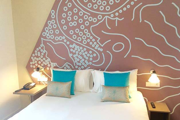 hôtel-ibis style centre chambre bleue et beige