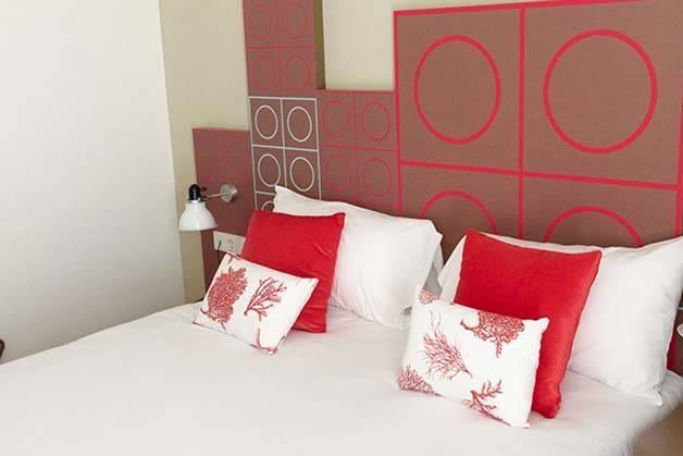 hôtel Ibis Style centre chambre rouge
