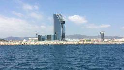 Golondrinas panorama sur l'hôtel W et les plages de Barcelone