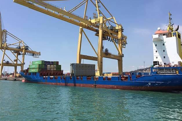 port-industriel-Golondrinas