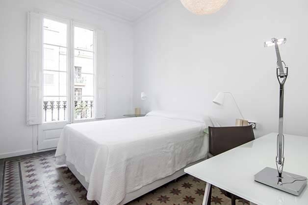logement étudiant chambre blanche et lumineuse