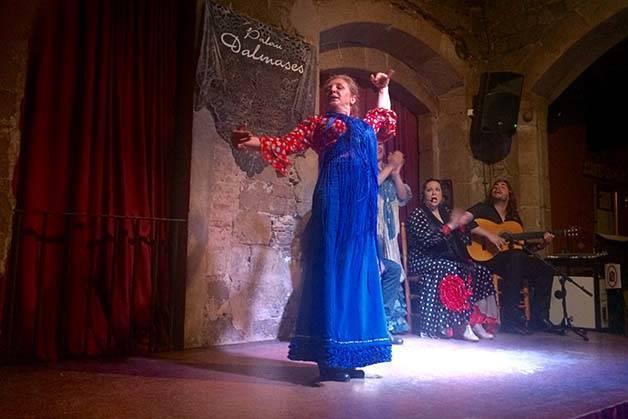 spectacle-de-flamenco-à-barcelone danseuse