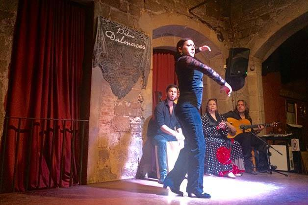 spectacle de flamenco à barcelone danseuse