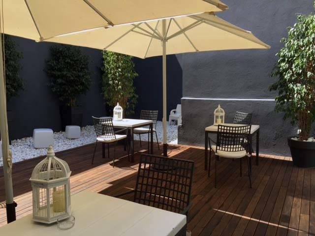 room-mate-carla-terrasse