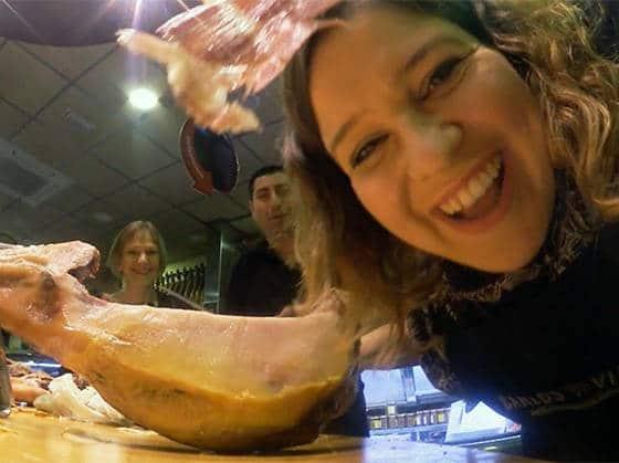 Un jour à Barcelone avec Marine Baousson: découpe du jambon