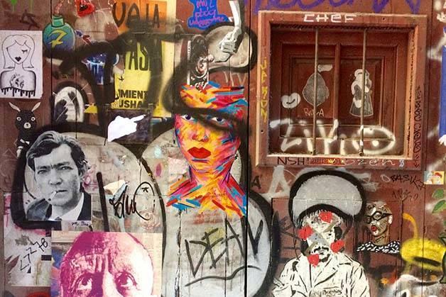 Tour Street Art Barcelone graffiti porte Born