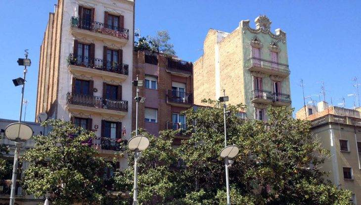 après une visite du parc güell: place de Gràcia