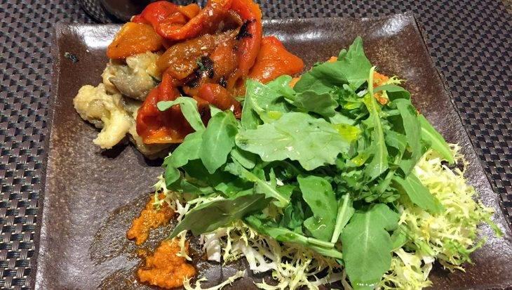 salade escalivada (poivrons, aubergine roquette)